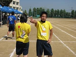黄Tシャツ