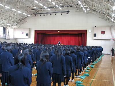 校歌斉唱H23-1